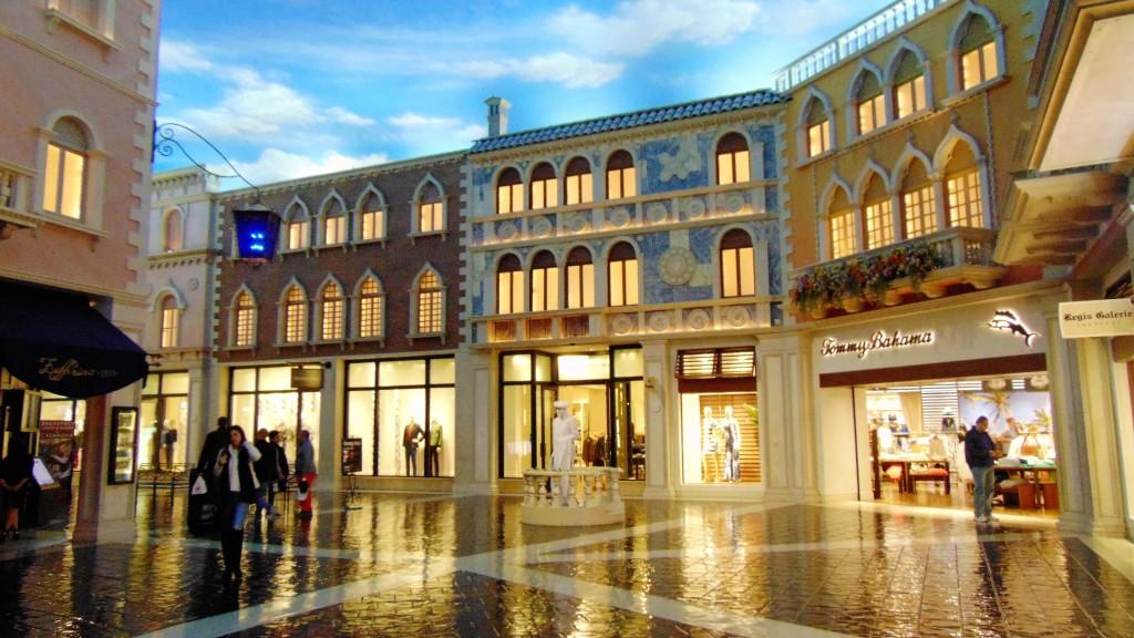 52. Street of Venice - the sky is false
